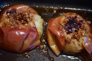 Baked Apples Bulgarian Style – Pecheni Yabalki by Madame Bulgaria